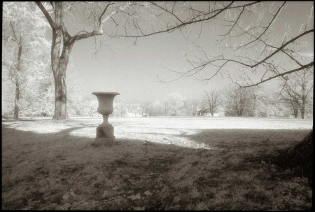 Baltimore_Plantation_Urn